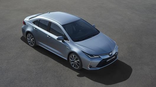 Новая Toyota Corolla для России: один мотор, но много опций
