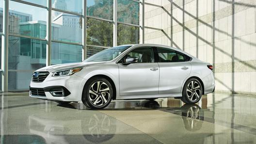 Новый Subaru Legacy: турбонаддув и мегапланшет в стиле Tesla