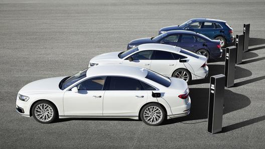 Сразу четыре модели Audi стали проезжать 40 км без бензина