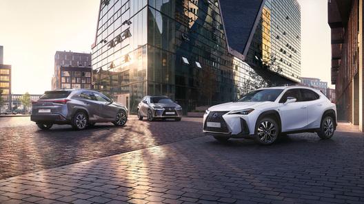 Lexus начал российские продажи нового кроссовера UX