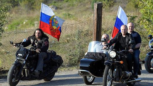 Будет ли оштрафован президент Путин за езду на мотоцикле без шлема? (видео)