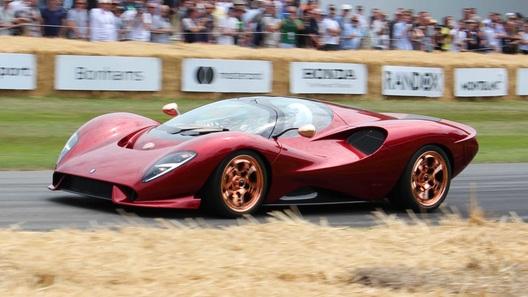 Возрожденная марка De Tomaso начала рассекречивать свой первый суперкар