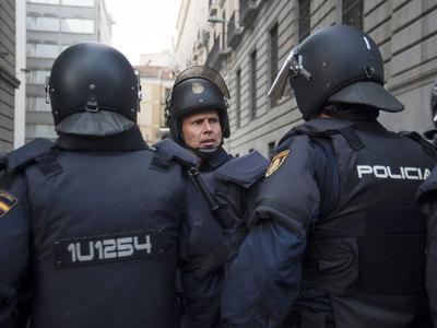 Мадридские демонстранты поддержали вотум недоверия Рахою