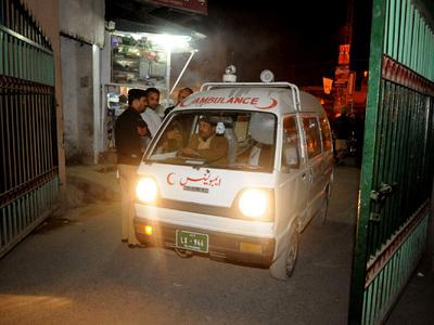 Взрыв в пакистанской больнице: погибли 53 человека