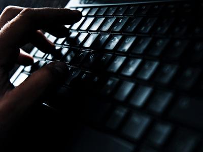 Мизулина: за общение с детьми в Интернете педофилов надо сажать на 12 лет