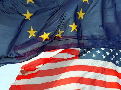 За год россияне стали хуже относиться к США и Евросоюзу