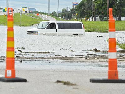 Наводнение в Техасе унесло жизни трех американских военных