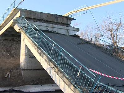 Во Львовской области обрушился мост через Днестр