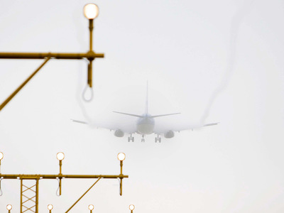 Сильный ветер нарушил авиасообщение с Красноярском