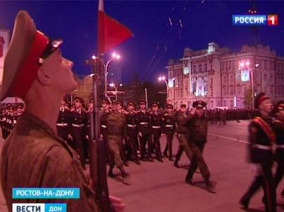 В Ростове состоялась первая совместная репетиция парадных расчетов и техники