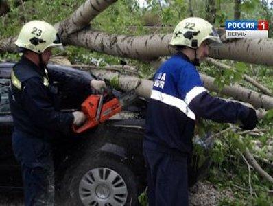 Ураган в Прикамье: улетевшие крыши и 13 районов без света