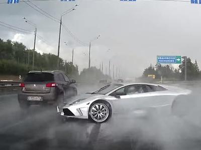В Подмосковье разбили эксклюзивный суперкар Lamborghini