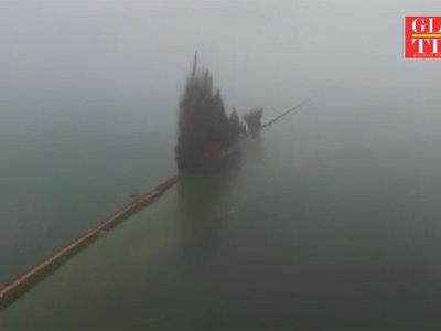 В Китае с помощью 27 тонн динамита взорвали гигантскую дамбу. Видео