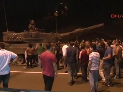 Страшная ночь в Турции: 60 погибших, огонь в небе и на земле