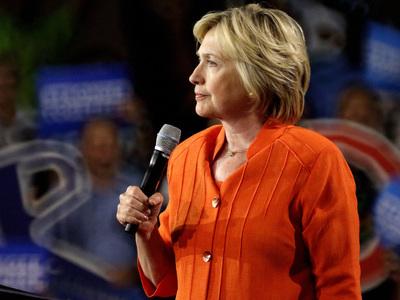 Клинтон назвали компроматом на саму себя