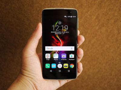 Обзор смартфона Alcatel Idol 4S: диджей с VR-очками