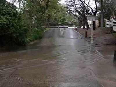 На Австралию обрушился сильнейший за полвека шторм