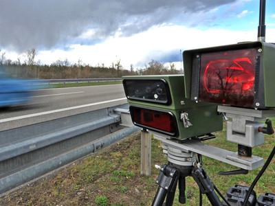Дорожные камеры смогут фиксировать набор СМС за рулем