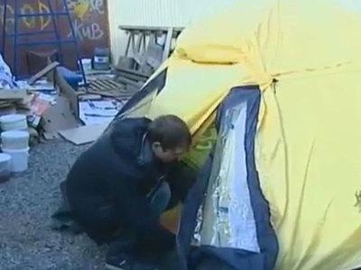Вышедшие из детских домов сироты в Омске и Астрахани живут на улице