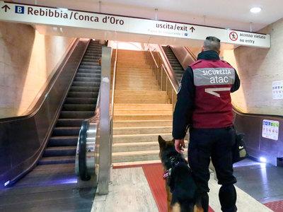 Римское метро закрыли после землетрясения