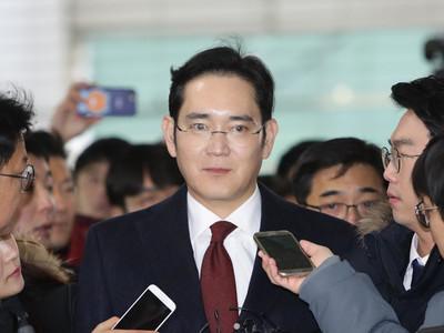 Прокуратура Южной Кореи просит арестовать фактического главу Samsung