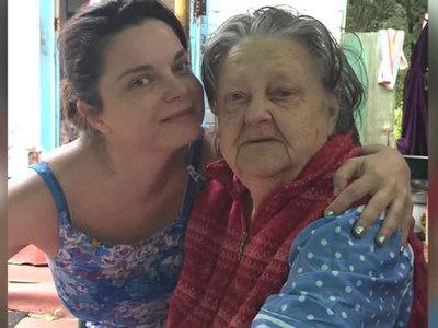 Наташа Королева не может попасть на похороны бабушки из-за СБУ