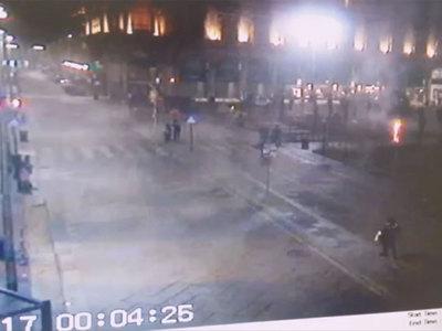 Ультраправые радикалы жгут пальмы в центре Милана. Видео