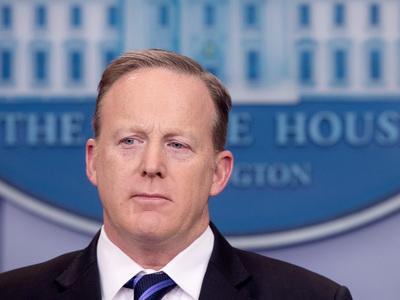 Пресс-секретарь Трампа уходит из-за кадровых разногласий