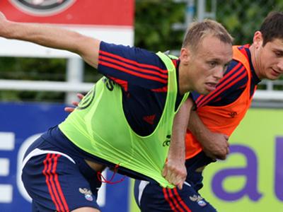 Глушаков и Дзагоев вернулись в состав футбольной сборной