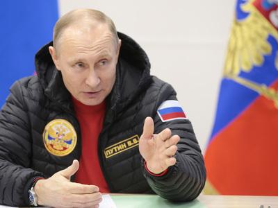 Крепить оборону на Крайнем Севере: Путин провел совещание по Арктике