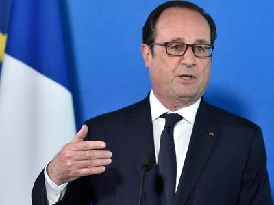 Олланд: Марин Ле Пен опасна для всей Франции