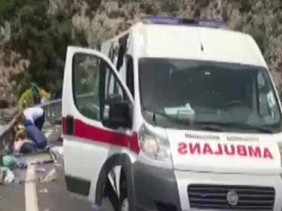 Микроавтобус с россиянами попал в аварию в Турции