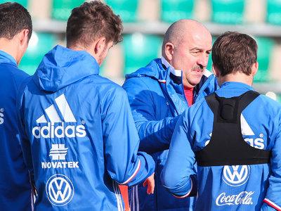 Футболисты сборной России прибыли в Австрию