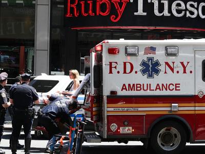 В Нью-Йорке водное такси врезалось в причал, 30 человек ранены