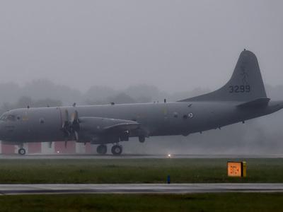 Истребитель ВВС КНР подлетел к американскому самолету над Южно-Китайским морем