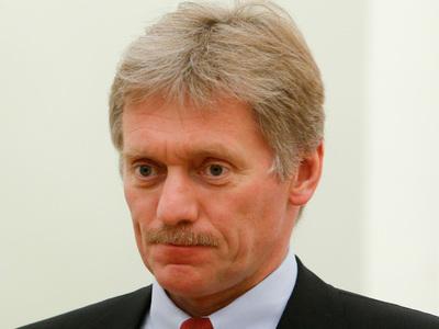 Песков рассказал, о чем поговорят Путин и Макрон