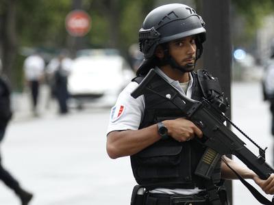 Под Парижем совершено нападение на члена российской  делегации авиасалона Ле Бурже