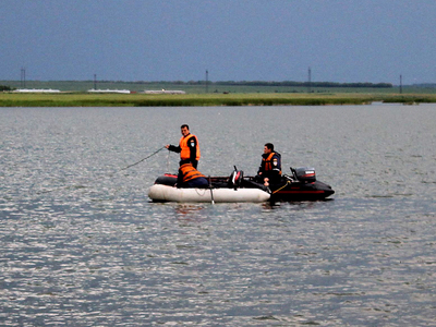 Семью, которую искали пять дней, нашли в машине на дне реки