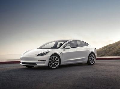Названа реальная мощность электромотора Tesla Model 3