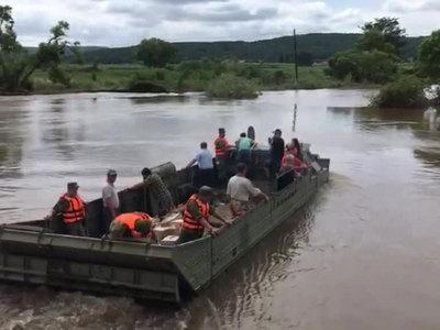 В Приморье военные ликвидируют последствия паводка