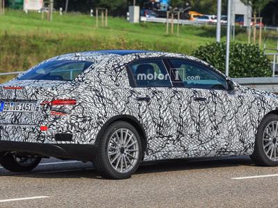 Появились первые фото небольшого седана Mercedes-Benz