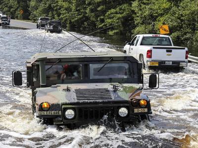 """Российские дипломаты возобновили в Хьюстоне работу после урагана """"Харви"""""""