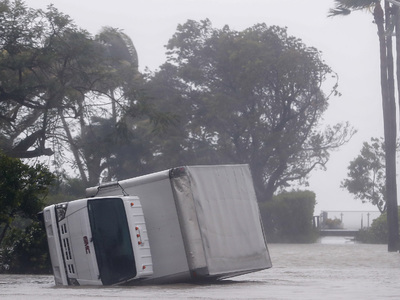 Трамп не знал, что существуют ураганы пятой категории