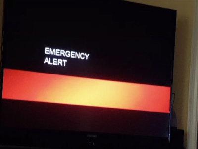 Американцев напугали сообщением по телевизору о конце света
