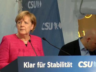 Мюнхенцы освистали предвыборный митинг Ангелы Меркель