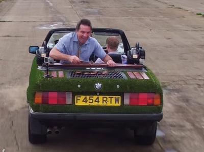 Старый кабриолет BMW превратили в джакузи и барбекю (и он ездит)