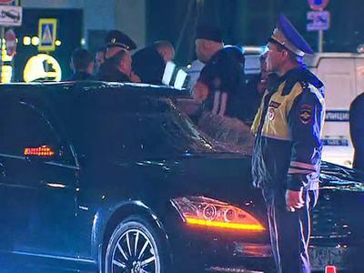 Инспектора ГАИ на Новом Арбате мог сбить автомобиль ФСБ