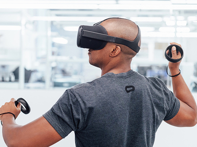 Facebook показала журналистам VR-шлем будущего