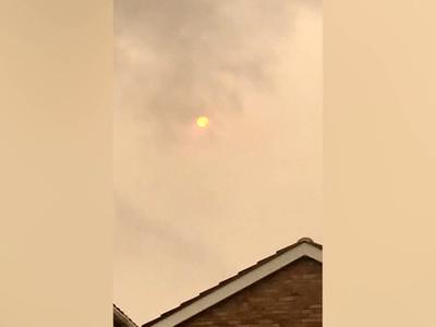 """Из-за """"Офелии"""" после появления оранжевых облаков на Таллин пролился черный дождь"""