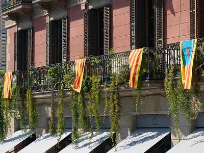 Каталония считает лишение ее автономии госпереворотом